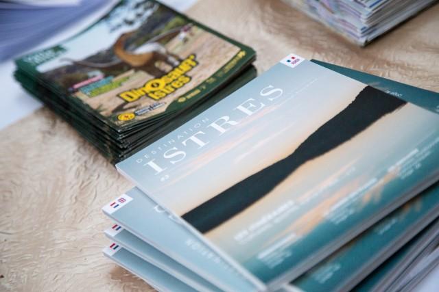 Brochures & Maps