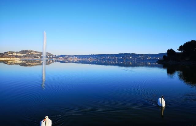 L'étang de l'Olivier & son jet d'eau