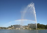 El Estanque del Olivier y su Chorro de Agua