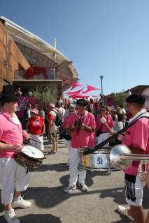 La fanfare au pied des arènes du Palio d'Istres