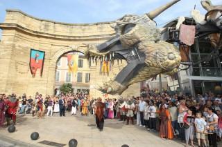 La porte d'Arles  lors de la fête médiévale Saint Jean