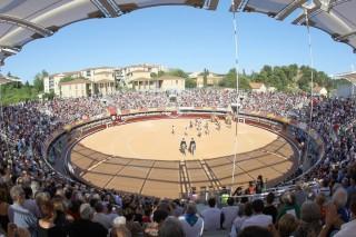 Les arènes du Palio lors de la corrida pendant la Feria