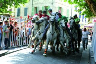 Les défilés des fêtes d'Istres