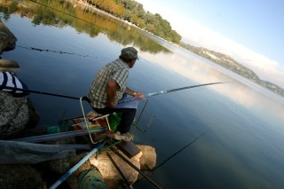 La pêche sur l'étang de l'Olivier d'Istres