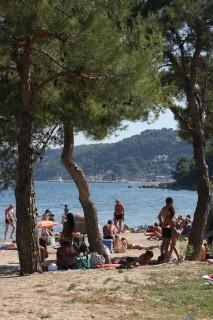 Baignades en famille à la plage de la Romaniquette