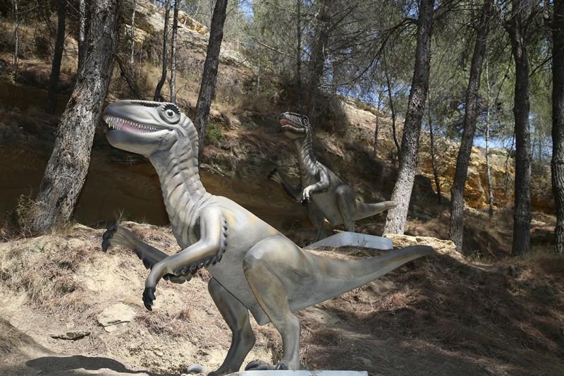29-velociraptors-2282