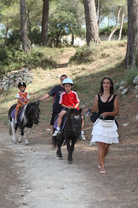 Baptêmes de poneys au centre équestre du Deven à Istres