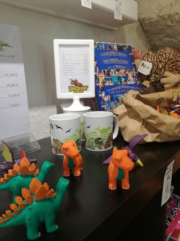 Figurines et tasses Dinosaures