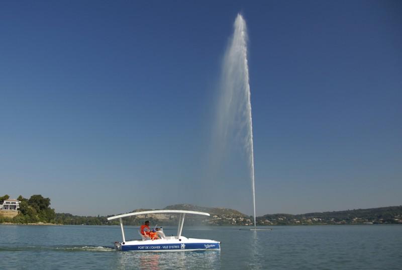 Le Port de l'Olivier - étang de l'Olivier - Jet d'eau - Istres