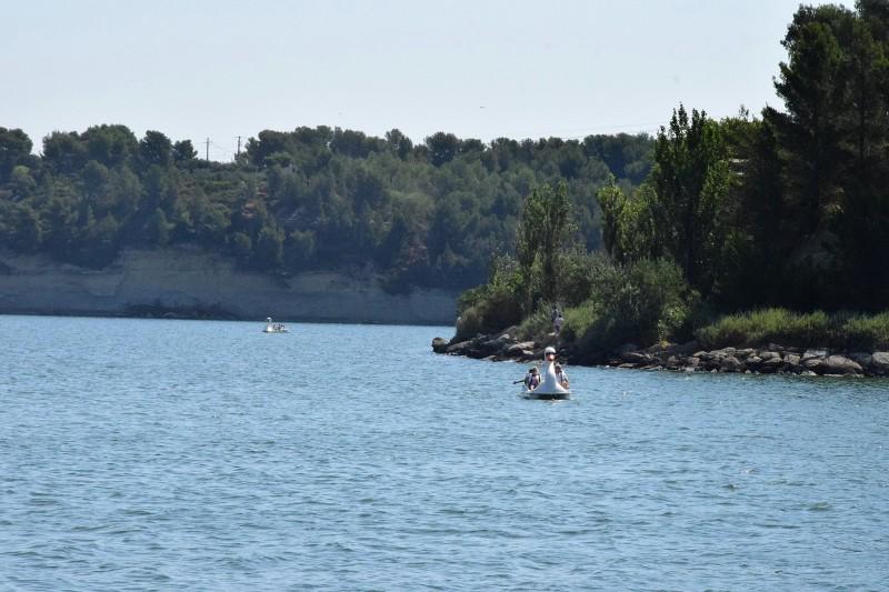Pédalos sur l'étang de l'Olivier