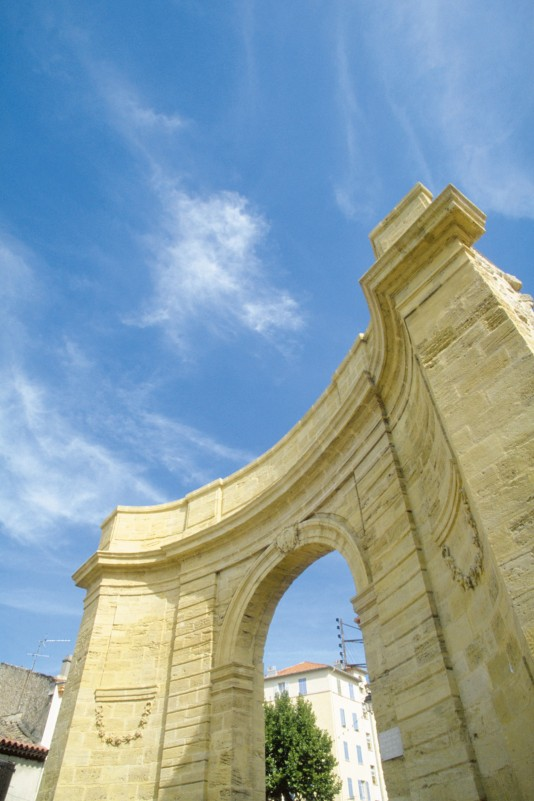 Portail d'Arles Istres
