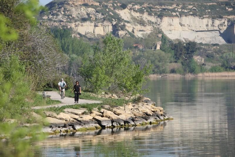 La rocade de l'étang de l'Olivier Istres