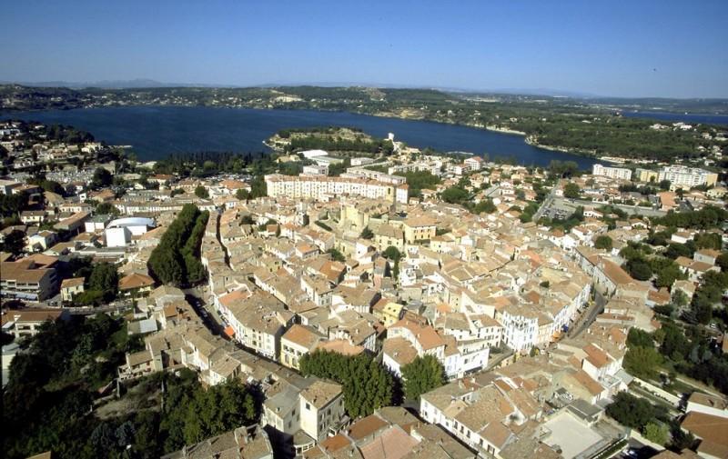 Vue aèrienne du centre d'Istres