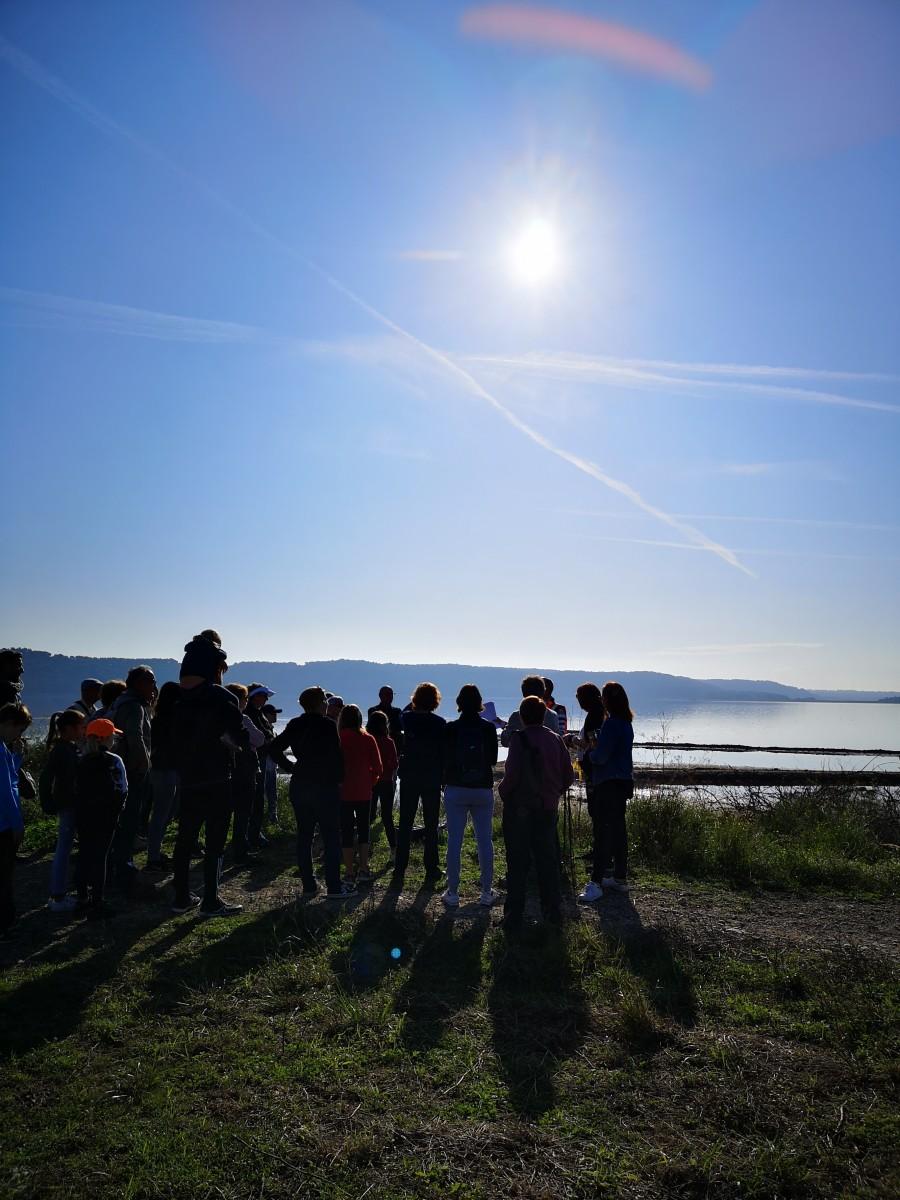 Explications sur la salinité de l'étang de Lavalduc par l'accompagnateur