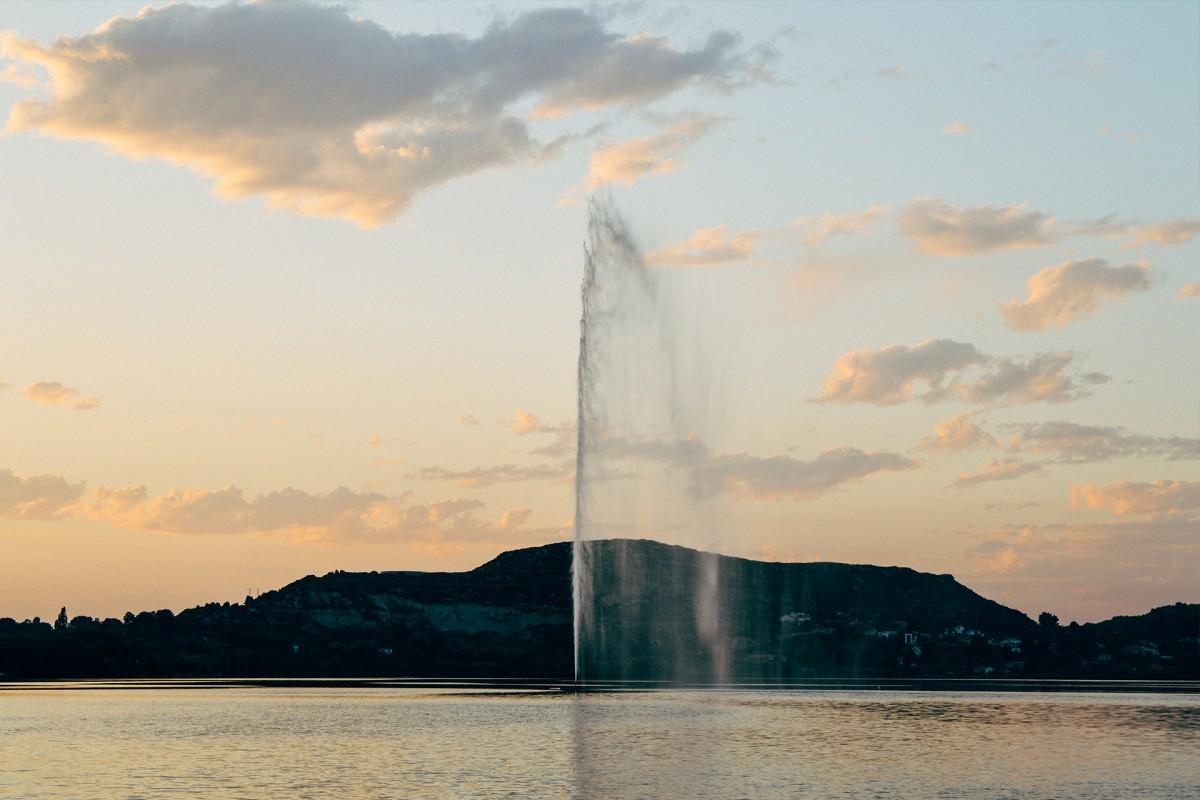 Jet d'eau le plus haut de France sur l'étang de l'Olivier