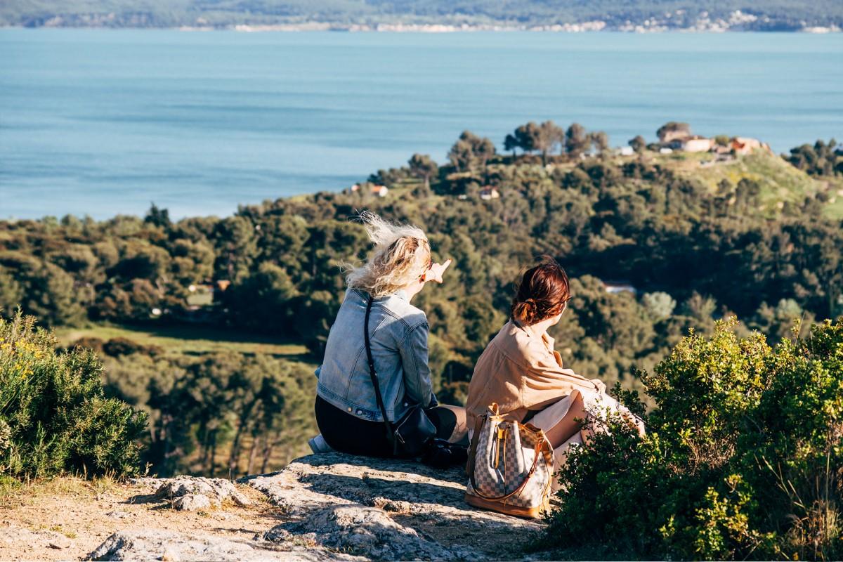 La colline Saint-Etienne offre une vue sur les 2 étangs