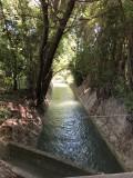 Les canaux de Craponne qui amène l'eau de la Durance dans la plaine de la Crau